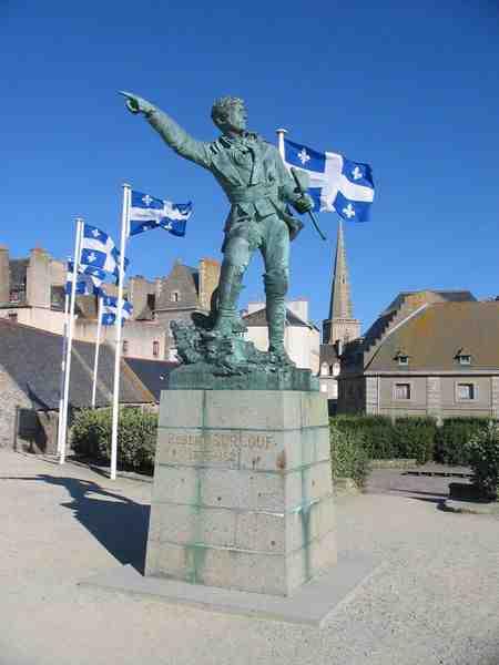 Les 4 navigateurs célèbres de Saint-Malo ?