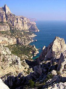 Les calanques de Marseille, à pied, en voiture ou en bateau ?