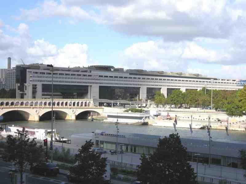 Dépense publique totale prévue de la France en 2014 ?