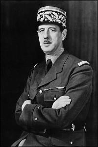 Charles_de_Gaulle_Londres_1942